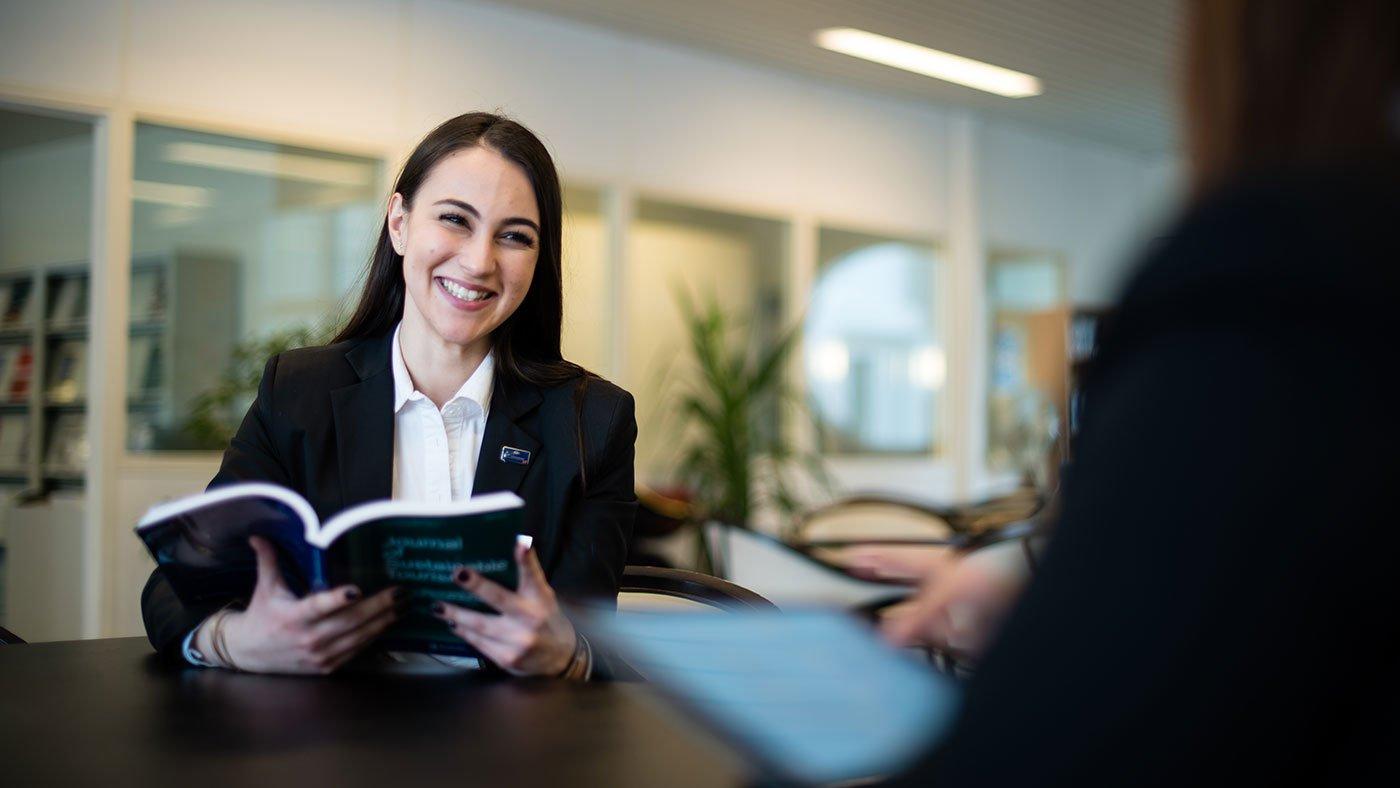 Training Manajemen Sekretaris yang Profesional dan Efektif