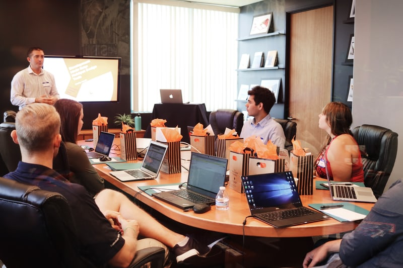 Training Manajemen Informasi Perusahaan